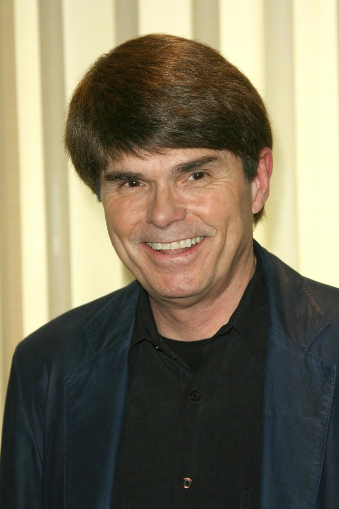 Dean Koontz signs five-book deal with Amazon Publishing